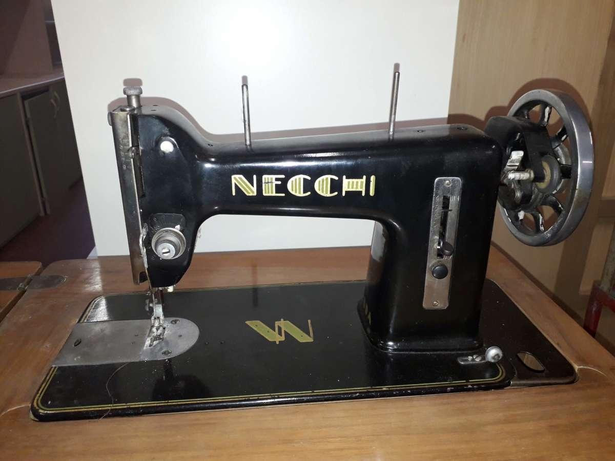 macchina cucire Necchi