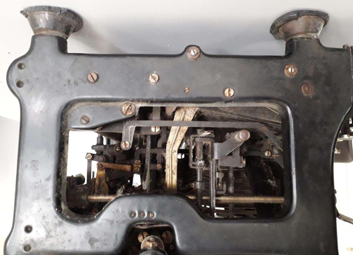 macchina da screivere Continental 1920