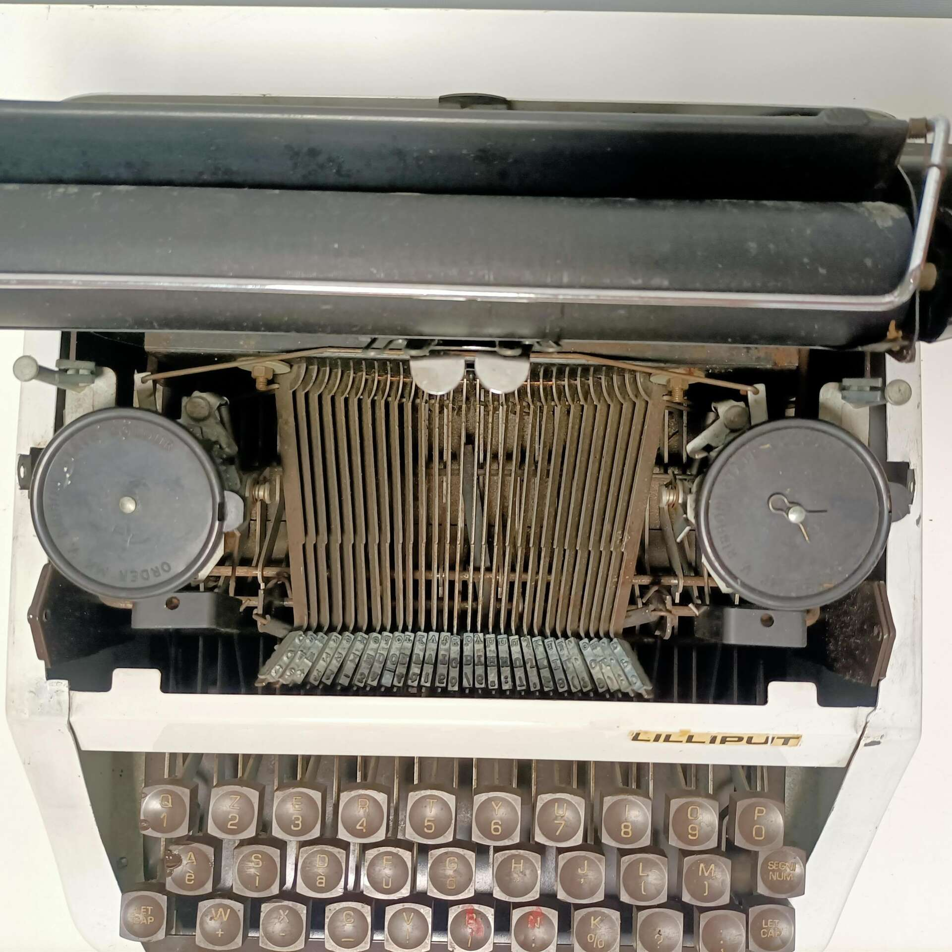 Lilliput macchina da scrivere