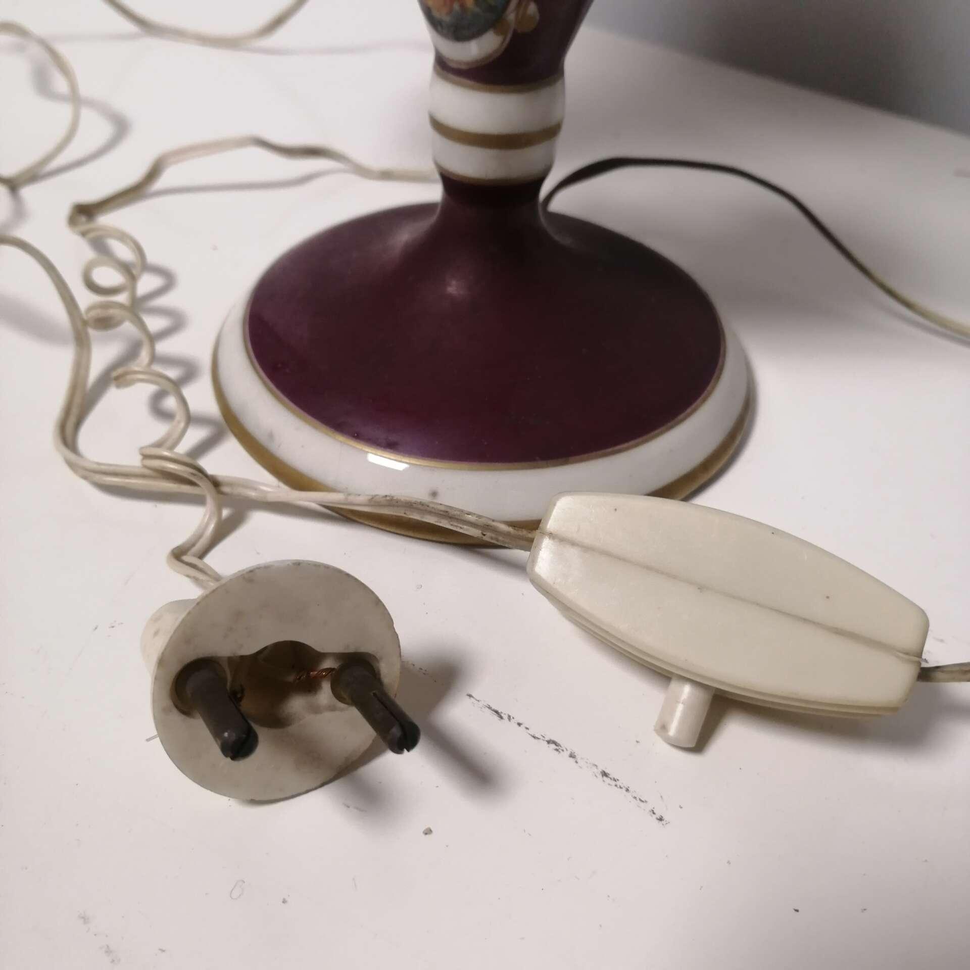 lampada da tavolo antica a due luci
